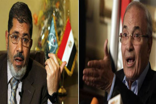 Mursi-Shafiq presidential showdown puts Egypt revolutionaries in pickle