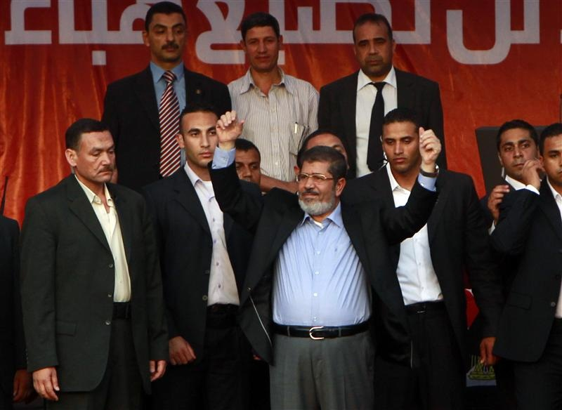 Mursi: 15 pct raise for state employees, pensioners, 50 pct for social security