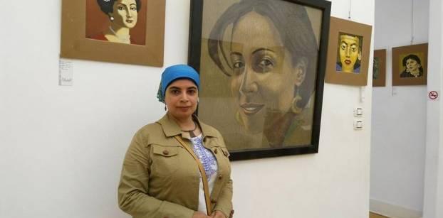 من الاحتفاء إلى الاضطهاد.. معرض لوحات يصور المرأة في مختلف عصورها