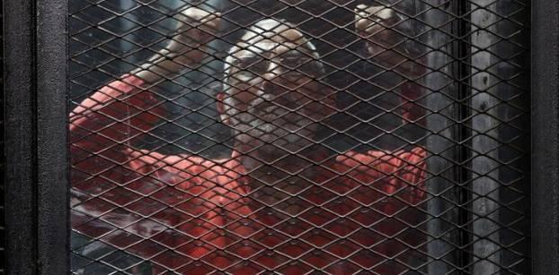 """استئناف محاكمة بديع و13 آخرين في """"أحداث البحر الأعظم"""" اليوم"""