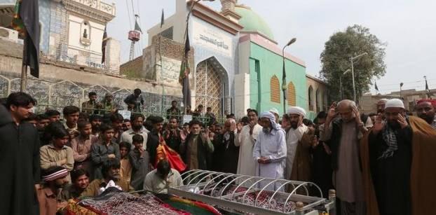 مصر تدين هجوما استهدف مزار صوفي في باكستان