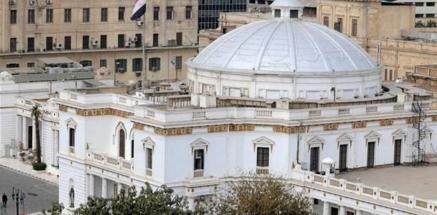 نائب بالبرلمان يسعى لتعديل دستوري يرفع القيد على فترات الرئاسة