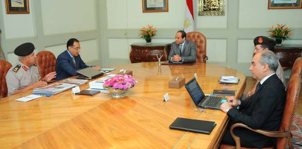 السيسي يتابع تطورات تنفيذ العاصمة الإدارية مع وزير الإسكان