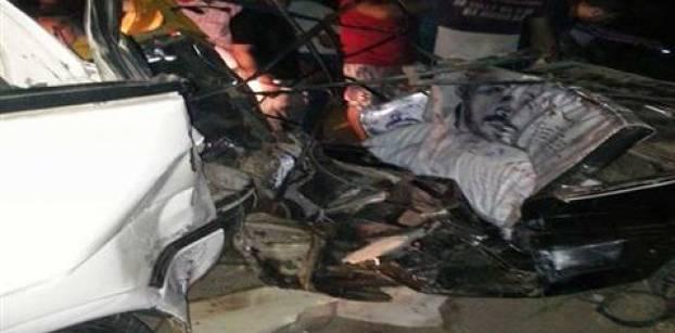 مقتل 4 أشخاص في تصادم سيارتين بالشرقية