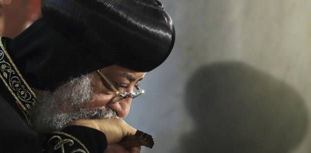البابا تواضروس يصل القاهرة بعد قطع زيارته لليونان لمتابعة انفجار الكنيسة