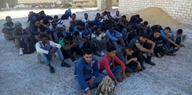 الجيش: ضبط 398 مهاجرا غير شرعي وتدمير 6 أنفاق بسيناء