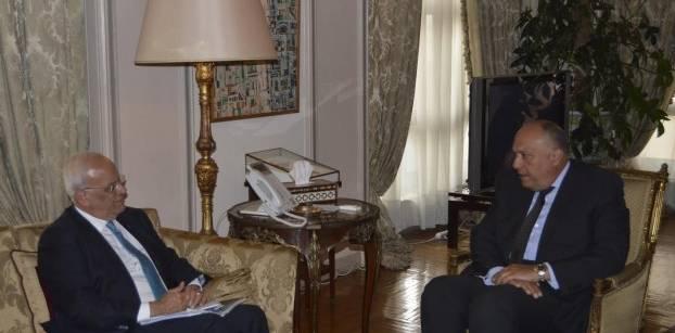 شكري وعريقات يتفقان على التنسيق مع الإدارة الأمريكية لتنفيذ حل الدولتين