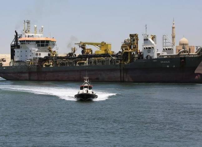 وفد بريطاني يزور قناة السويس للتعرف على فرص الاستثمار