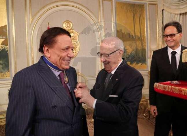 تونس تمنح عادل إمام الوسام الأول للاستحقاق في الثقافة