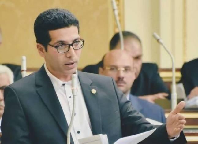 """نائب معارض: تبني أغلبية البرلمان لرؤية مبارك الاقتصادية ساعد على تمرير """"القيمة المضافة"""""""