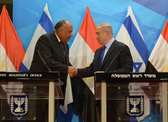 تباين ردود فعل السياسيين حول زيارة شكري لإسرائيل