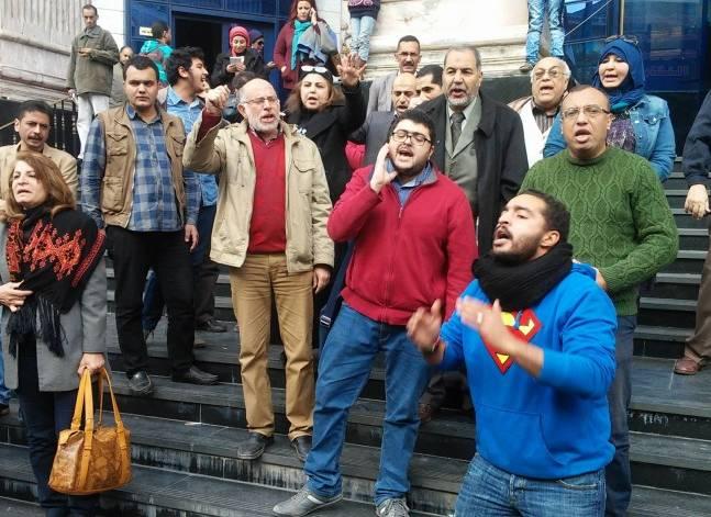 """مصدر: القبض على مشاركين بوقفة """"تيران وصنافير"""" أمام نقابة الصحفيين"""