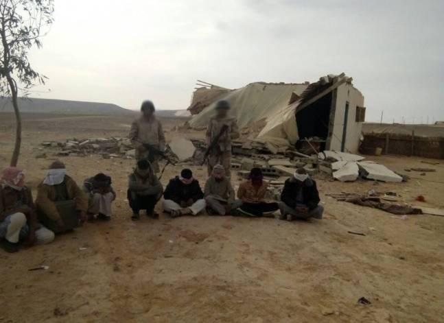 """الجيش: مقتل 3 """"تكفيريين"""" وإصابة اثنين وضبط 11 في سيناء"""