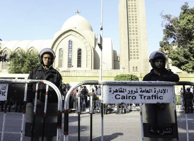 """تحقيقات الكنيسة: """"الانتحاري"""".. دخل الكنيسة مسرعا وفجر نفسه بعدها بثوان"""