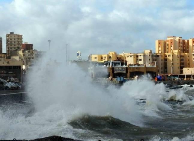 إغلاق مينائي بوغازي والدخيلة بالإسكندرية لسوء الأحوال الجوية