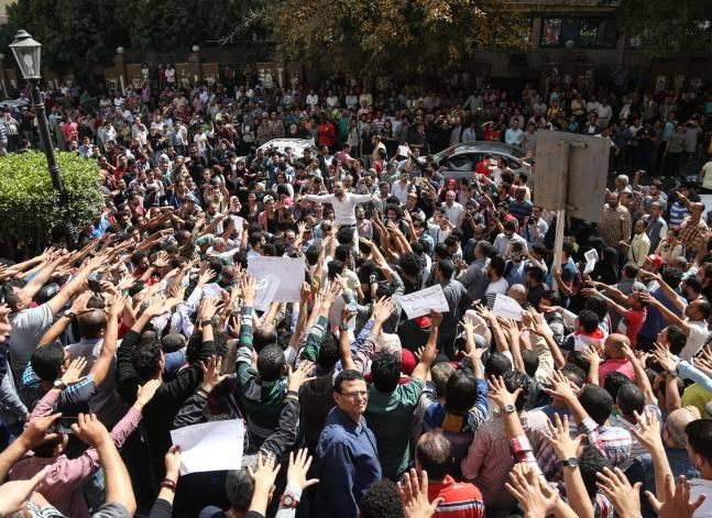 دعوات للتظاهر في ذكرى تحرير سيناء وسط تحذيرات من الداخلية