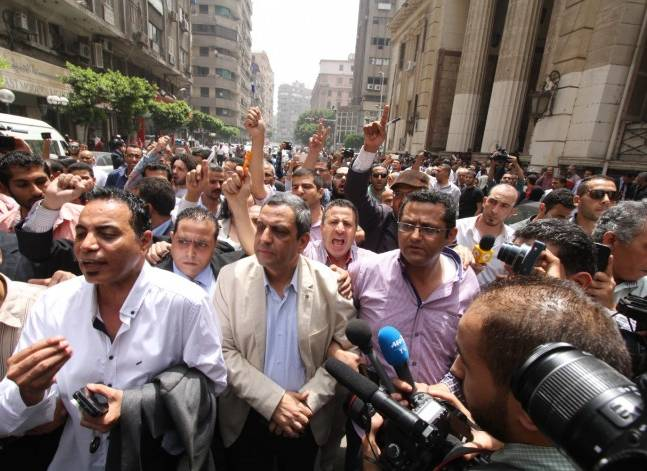 19 نوفمبر.. الحكم على نقيب الصحفيين وعضوين بمجلس النقابة
