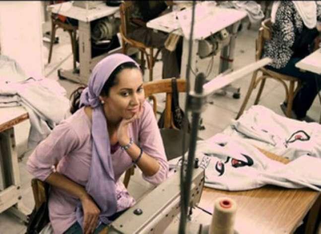 """من """"هند وكاميليا"""" إلى """"فتاة المصنع"""" محمد خان يجسد أحلام النساء"""