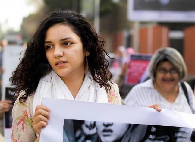 إحالة سناء سيف للمحاكمة العاجلة بتهمة إهانة هيئة قضائية