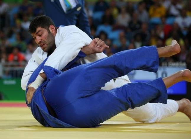 الأولمبية الدولية: بعثة مصر تعيد مصارعا للجودو الى بلاده رفض مصافحة منافس إسرائيلي