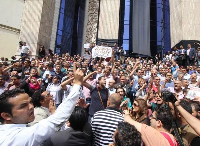 خبراء الأمم المتحدة ينتقدون اقتحام نقابة الصحفيين وتعامل الحكومة مع المظاهرات