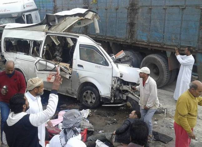 مقتل 8 وإصابة 12 شخصا في حادث تصادم بطريق الإسكندرية مطروح الساحلي