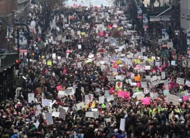 تظاهرات النساء.. من المطالبة بالسماح بالتعري والإجهاض للثورة ضد ترامب
