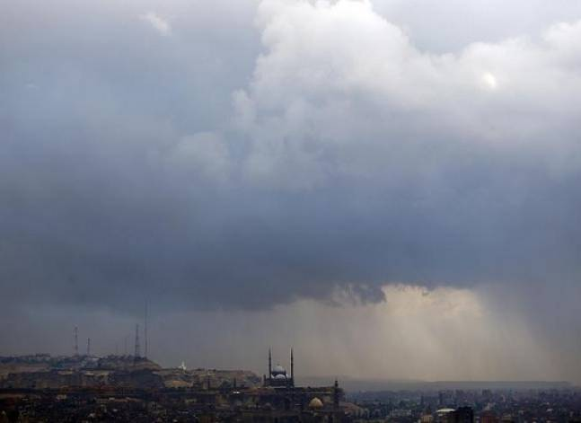 الأرصاد: طقس الثلاثاء بارد ممطر.. والعظمى في القاهرة 16