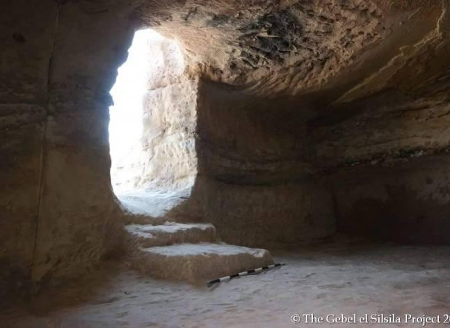 الاثار: اكتشاف مجموعة من المقابر تعود إلى الأسرة الثامنة عشر بأسوان