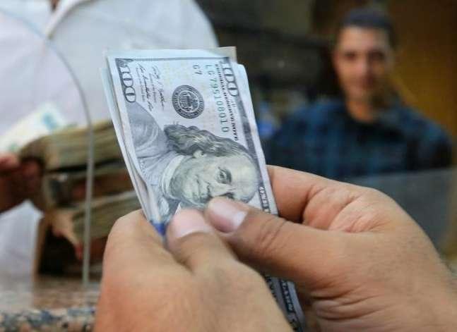 الجنيه مستقر أمام الدولار في تعاملات البنوك
