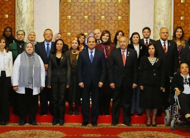 السيسي: ندعم كل جهود تمكين المرأة سياسيا واقتصاديا واجتماعيا