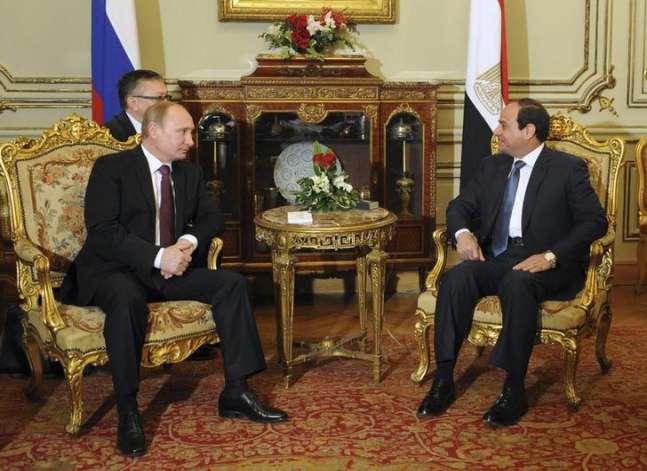 """الرئاسة: بوتين أكد للسيسي عزم روسيا استئناف الطيران في """"القريب العاجل"""""""