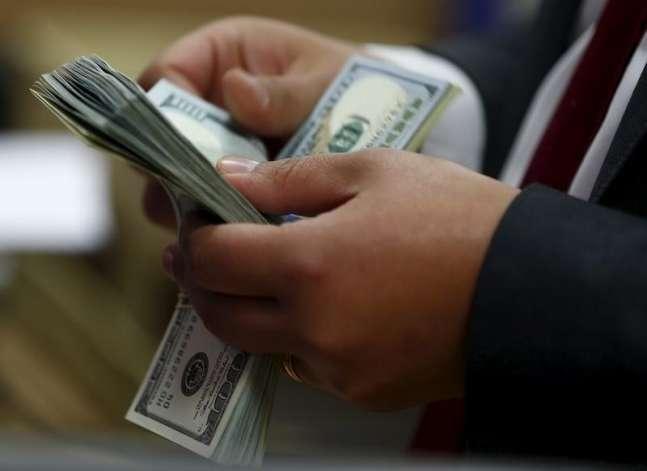 سعر الدولار مستقر في البنوك الكبرى
