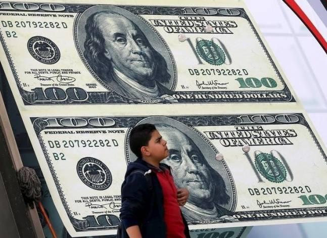 الدولار يرتفع إلى 8.95 جنيه في البنوك