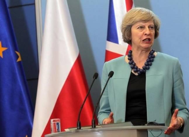 السيسي ورئيسة وزراء بريطانيا يبحثان سبل استئناف رحلات شرم الشيخ