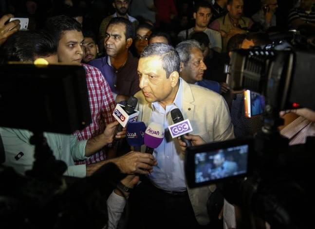 إحالة نقيب الصحفيين وعضوين بمجلس النقابة للمحاكمة العاجلة