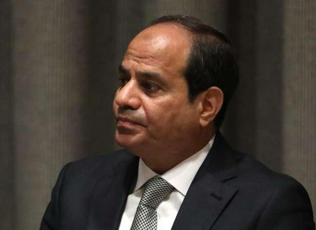 السيسي يطالب الوزراء والمحافظين الجدد بالتصدي بحزم للتلاعب بالأسعار