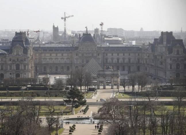 القاهرة تدين هجوما على متحف اللوفر بفرنسا اتهم مصري بتنفيذه