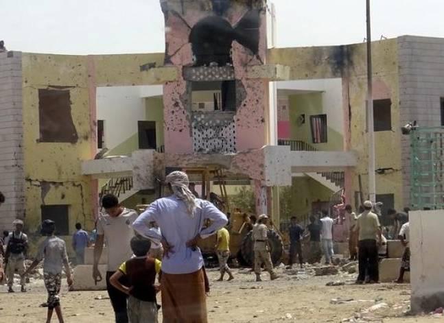 """الخارجية: مصر تدين تفجيرا """"إرهابيا"""" في اليمن"""