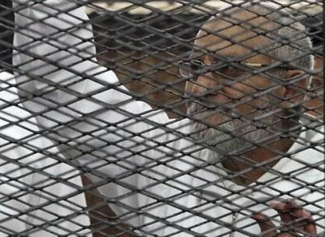 """استئناف محاكمة بديع وآخرين في  قضية """"أحداث الإسماعيلية"""" اليوم"""