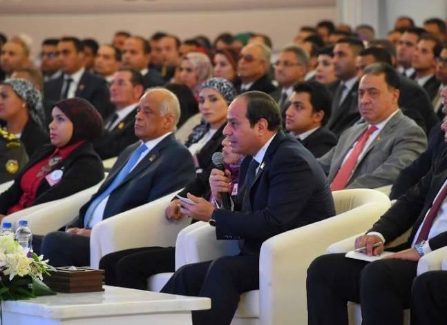 السيسي يعلن انطلاق المؤتمر الشهري الثاني للشباب بأسوان