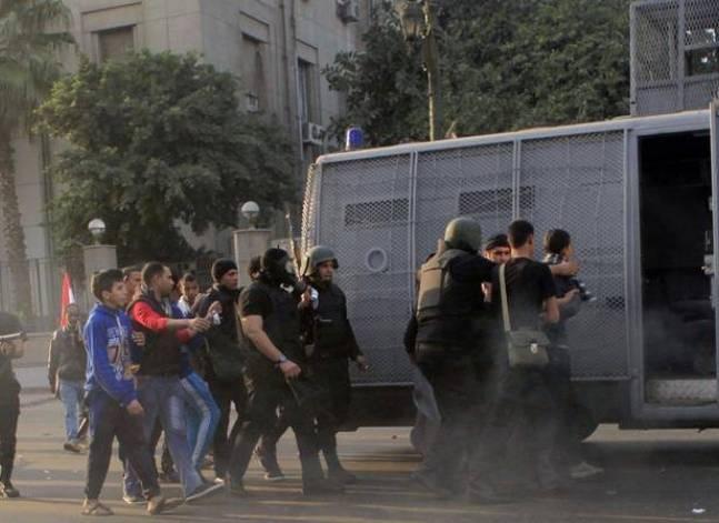 مركز توثيق: ضبط أكثر من 19 ألف شخص بموجب قانون التظاهر