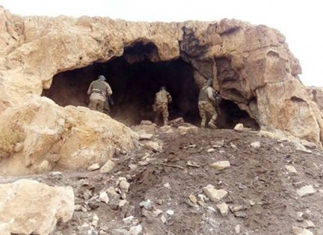 """الجيش: القبض على 12 """"تكفيريا"""" وضبط كمية من الذخائر والملابس العسكرية"""