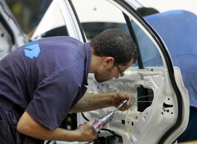 الإحصاء: 63% من إصابات العمل تتركز في النشاط الصناعي