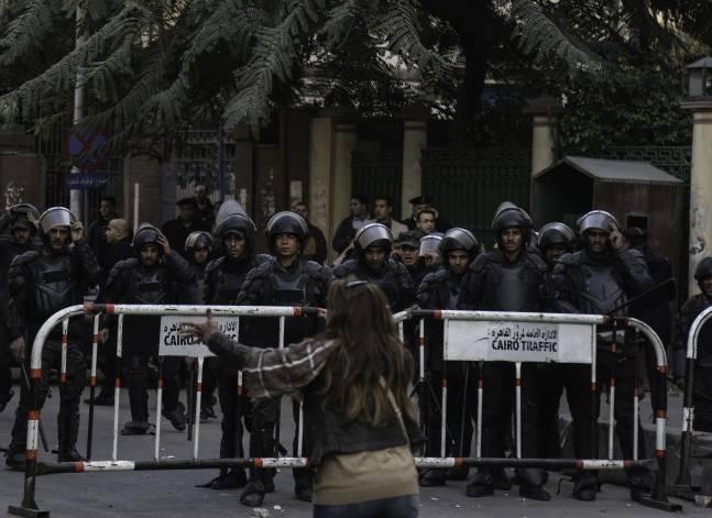 """محام: تأجيل """"تظاهرة مجلس الوزراء"""" لأجل غير مسمى"""