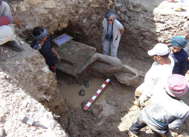 """الآثار: اكتشاف أجزاء من تماثيل """"سخمت"""" بالأقصر"""