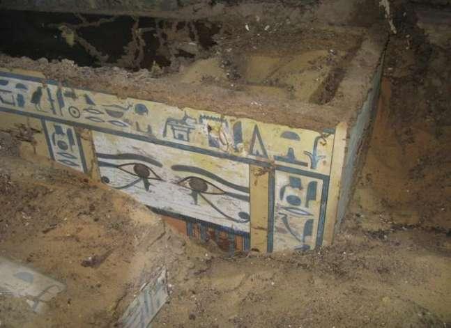 الآثار: اكتشاف تابوت أحد كهنة آمون بمنطقة العساسيف بالأقصر