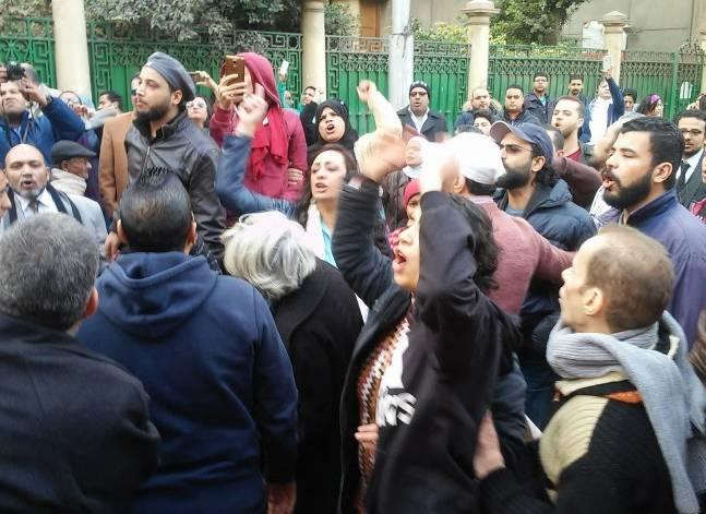 """إخلاء سبيل 12 من متظاهري """"تيران وصنافير"""" بكفالة مالية"""