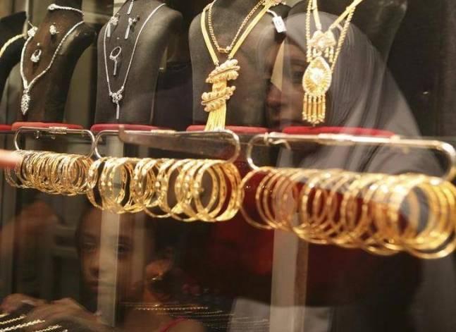 جنون الدولار يرفع أسعار الذهب محليا ويدفع السوق للركود