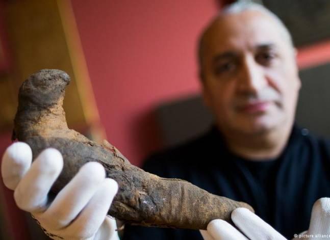 """""""دويتشه فيله"""": حارس متحف يعثر بالصدفة على مومياء فرعونية بألمانيا"""